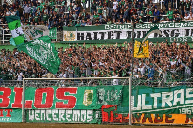 Fans beim Heimspiel gegen Meuselwitz